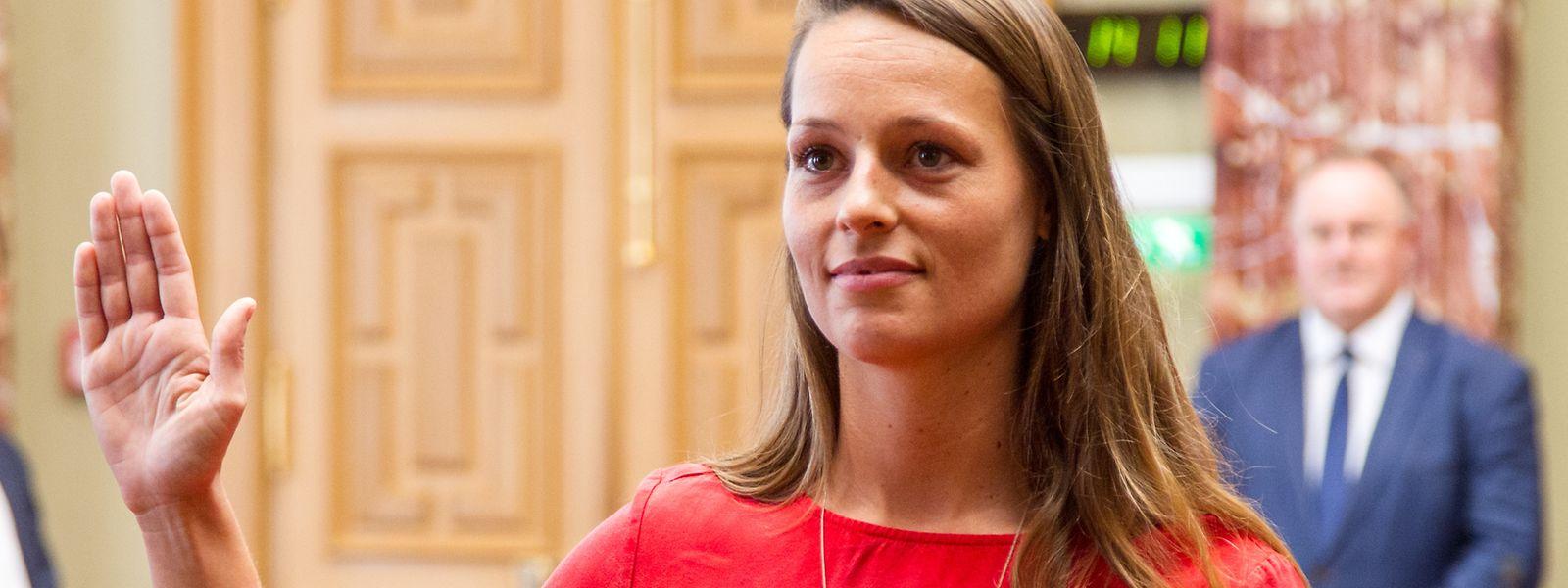 Chantal Gary bei ihrer Vereidigung in der Chamber.