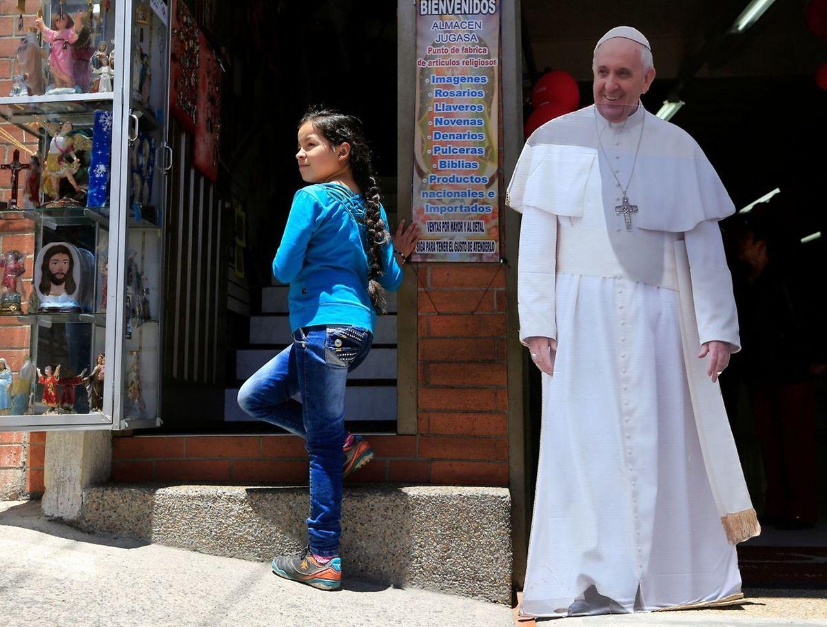Die Vorbereitungen laufen: Im September wird Papst Franziskus Kolumbien besuchen, um den historischen Friedensprozess zu würdigen.