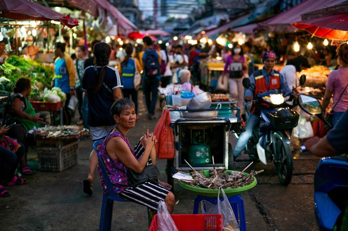 Un marché traditionel à Bangkok.