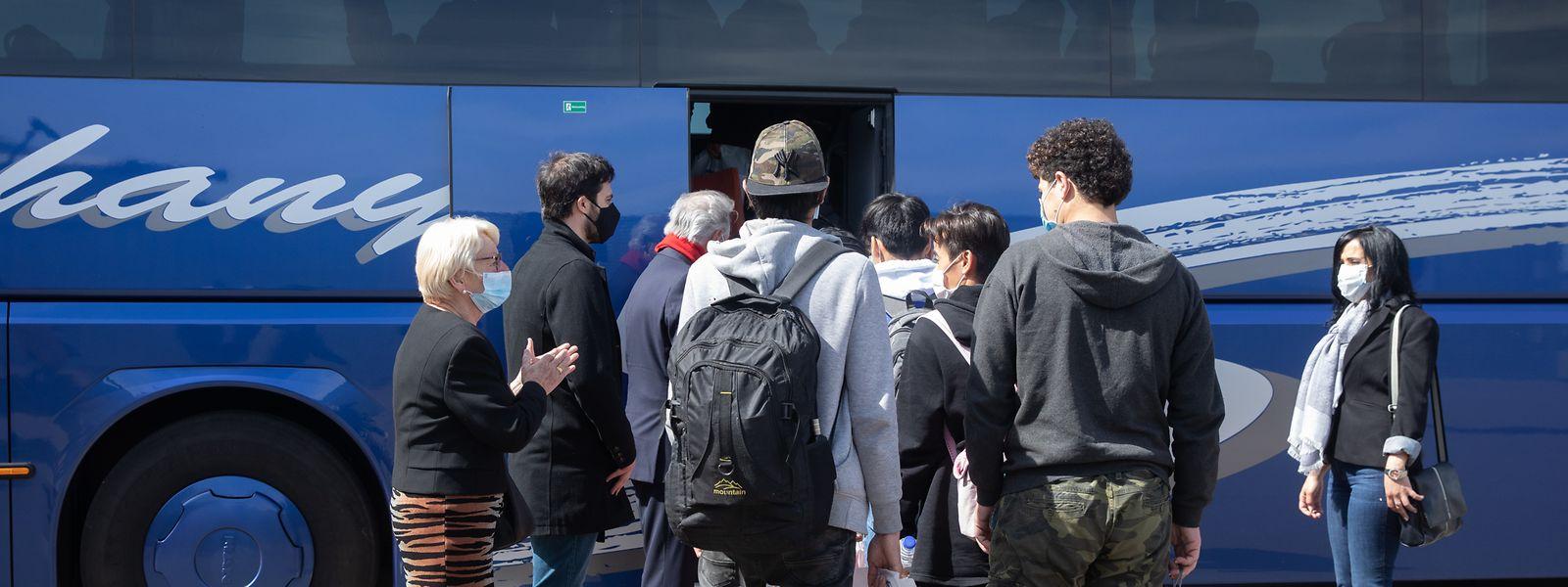 Minderjährige Flüchtlinge bei ihrer Einreise nach Luxemburg.