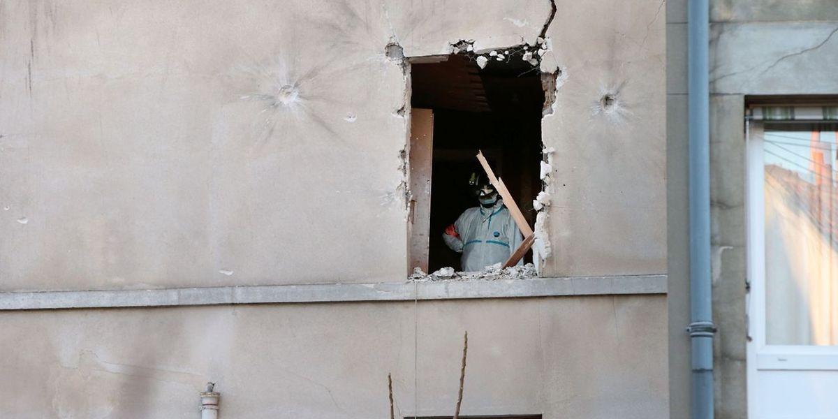 Après l'assaut de l'appartement de la rue Corbillon.