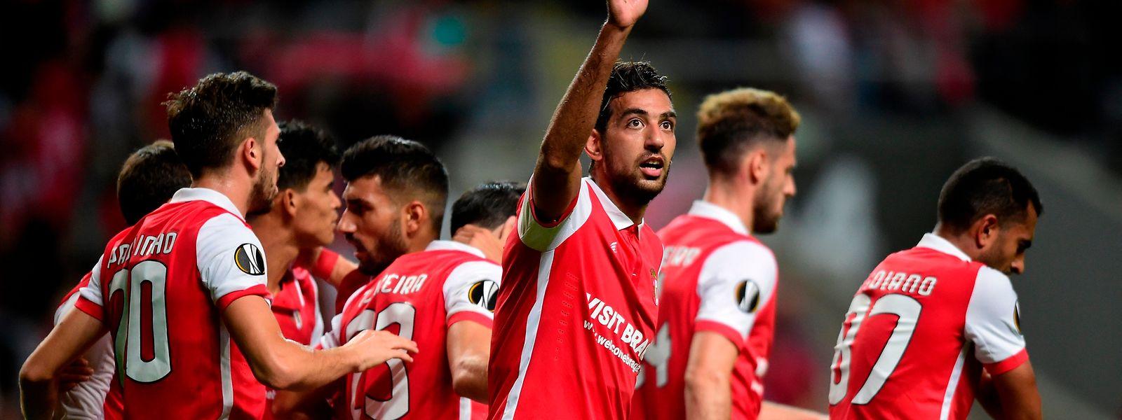 Sporting de Braga goleia Estoril-Praia por 6-0 e salta para quarto da I Liga