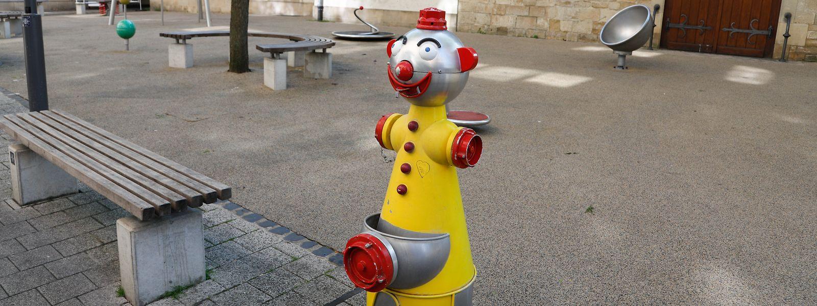 Auf Kinderspielplätzen werden bevorzugt Wasserfontänen in Clown-Form aufgestellt.