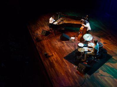 Un trio de choc: Michel Reis au piano, Marc Demuth à la basse et Paul Wiltgen à la batterie.