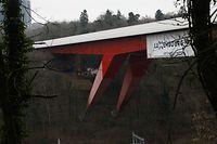 Lokales, Bild des Tages, neuer Anstrich, roud Bréck, rote Brücke,  Foto: Anouk Antony/Luxemburger Wort