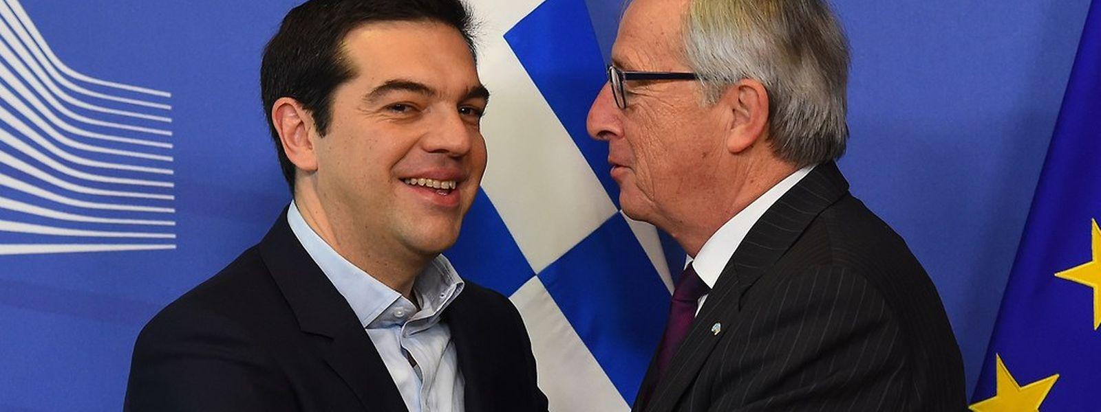 4. Februar 2015: Herzliche Begrüßung für Athens Premier Alexis Tsipras durch EU-Kommissionspräsident Jean-Claude Juncker.