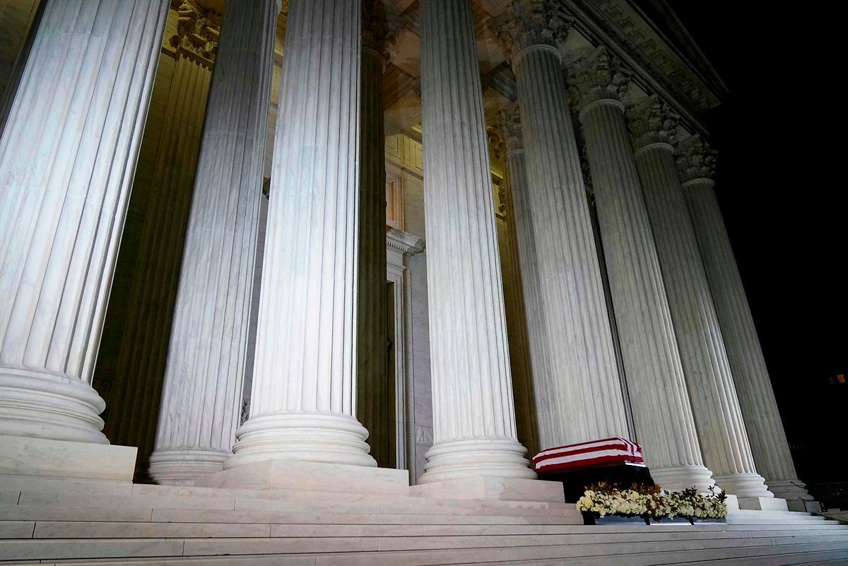 Der Tod von Ruth Bader Ginsburg könnte zu einer langfristigen Verschiebung der Machtverhältnisse im Obersten Gerichtshof der USA führen.