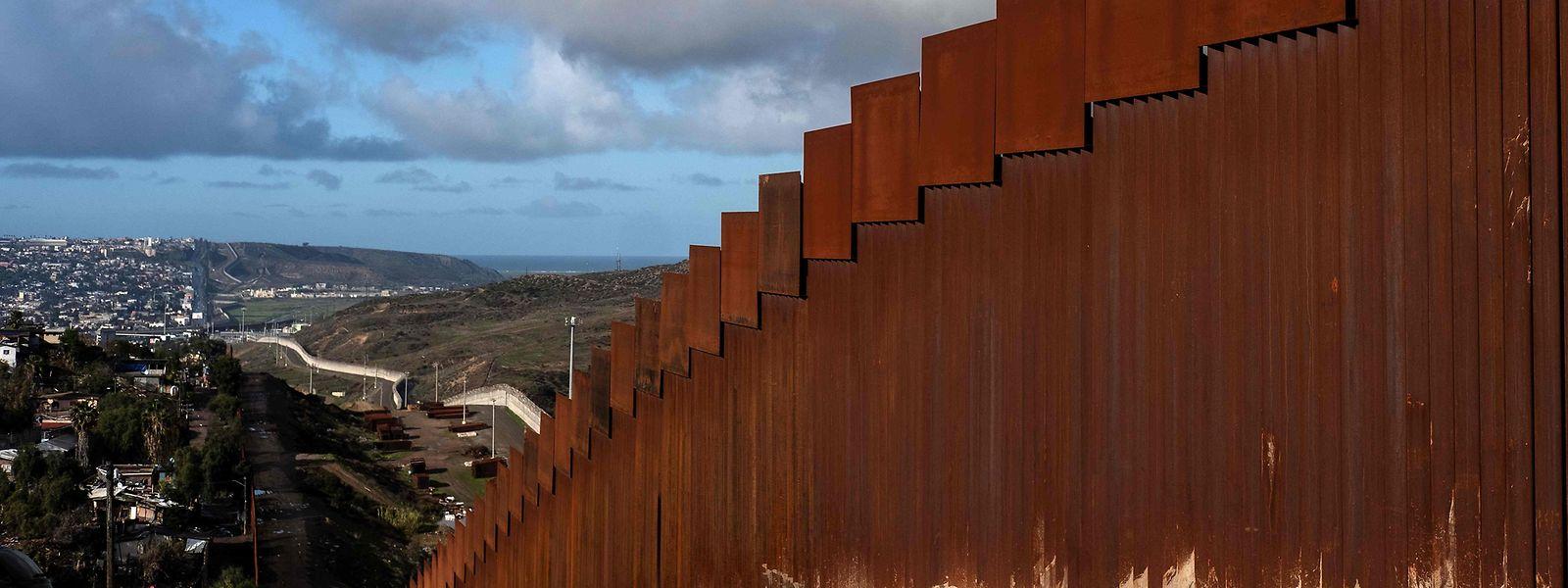 Trump hatte bereits zuvor angekündigt, dass er im Januar die Grenze besuchen wolle, um sich dort ein Bild von der Lage zu machen.