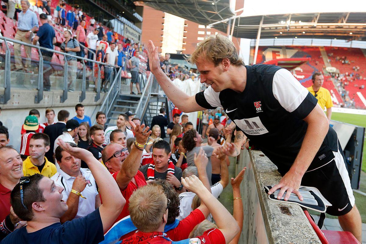 Tom Siebenaler feierte in Utrecht mit den Fans.
