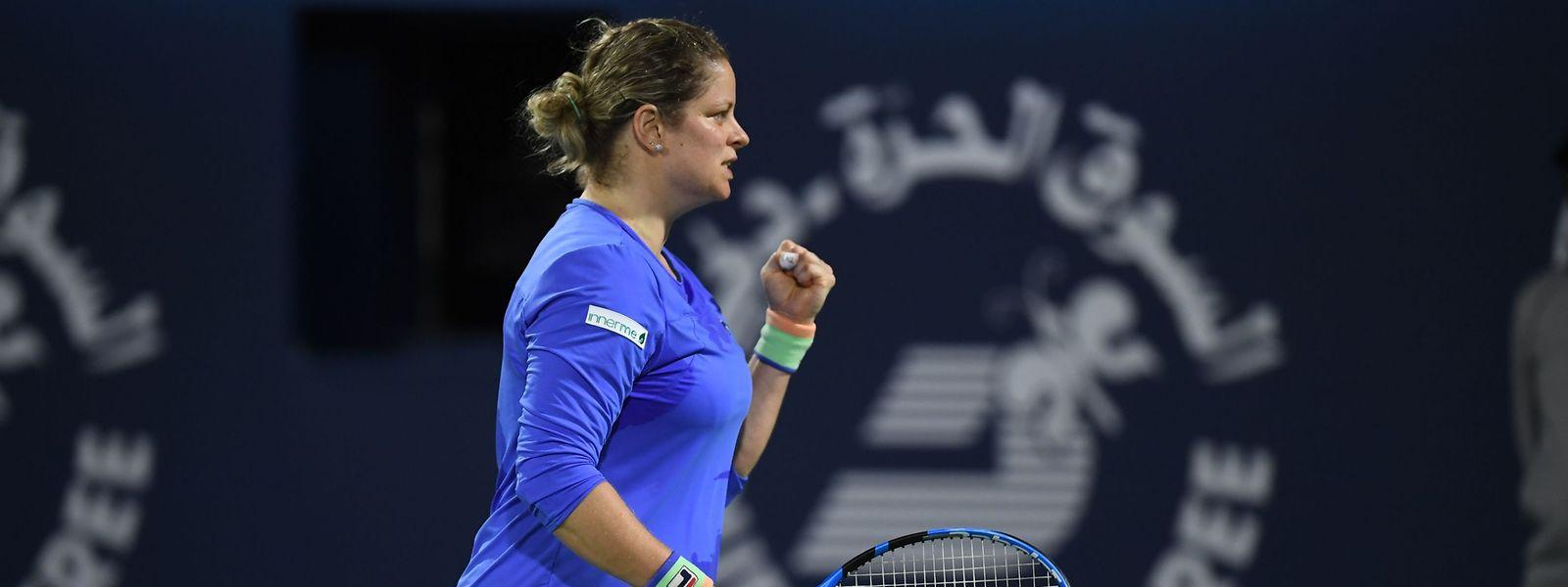 Kim Clijsters macht einige starke Punkte, doch die fehlende Matchpraxis macht sich bemerkbar.
