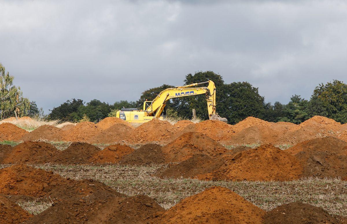 Comme ici, actuellement sur le plateau du Kirchberg, le Centre national de recherche archéologique, sonde 10% d'un terrain promis à construction.