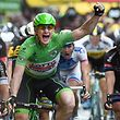 André Greipel (D/Lotto-Soudal) feiert seinen zweiten Etappensieg - Tour de France 2015 – 5. Etappe Arras / Amiens – Foto: Serge Waldbillig