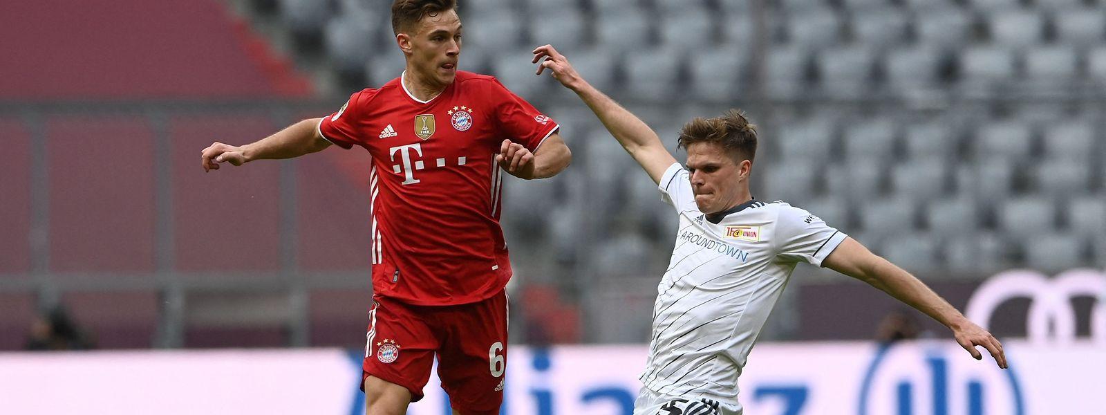 Joshua Kimmich (l.) und der FC Bayern wollen bei PSG Kopfkino auslösen.