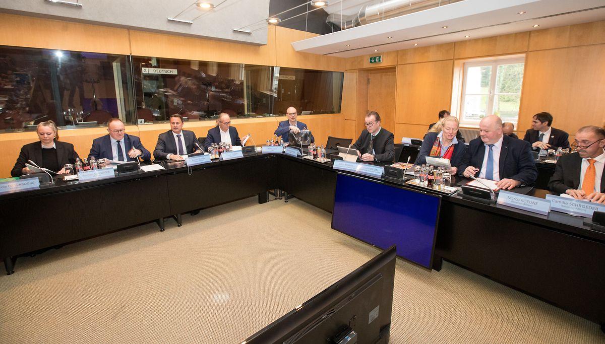 Die Vertreter der Landwirtschaft und der Regierung trafen sich zu Gesprächen über den nationalen Klimaplan.