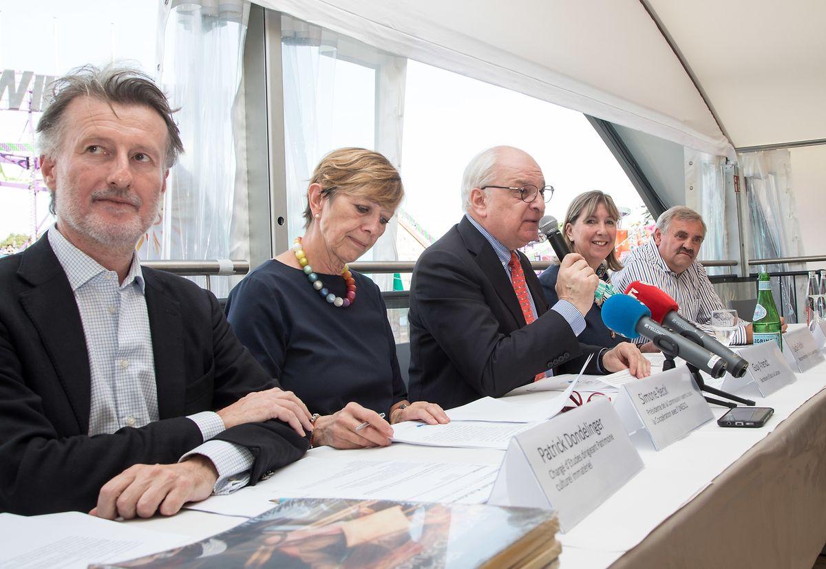 Plusieurs acteurs de la culture se sont réunis ce lundi 10 septembre pour présenter le plan d'action, aux côtés de Lydie Polfer, bourgmestre de Luxembourg. Le rendez-vous était donné à la Schueberfouer, qui fait partie du patrimoine culturel immatériel du Grand-Duché.