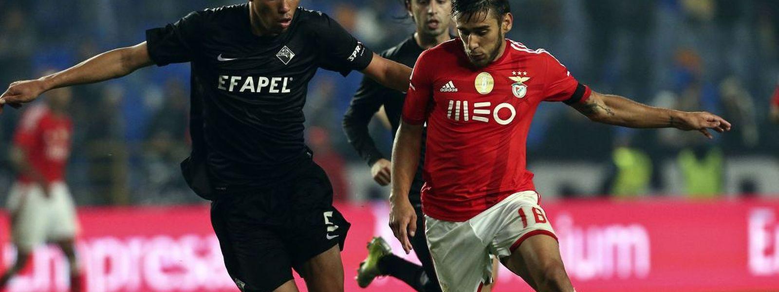 O Benfica conseguiu uma vitória fácil em Coimbra