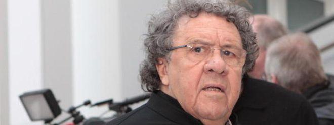 Gaston Vogel stellt sich vor die Lehrerschaft in Luxemburg.