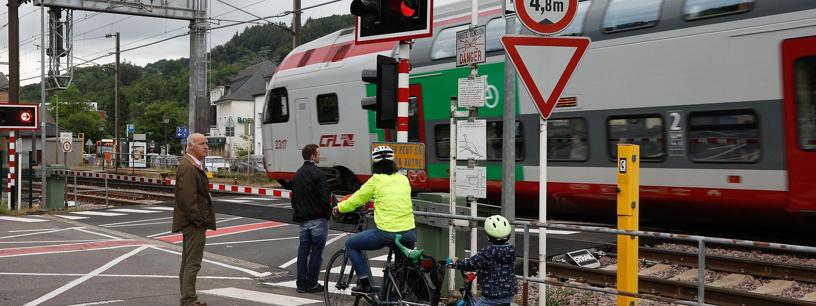 In Luxemburg gibt es 117 Bahnübergänge. Sie sollen aber nach und nach verschwinden. Die CFL rief am Donnerstag am International Level Crossing Awareness Day zur Vorsicht an diesen Gefahrenstellen auf.