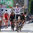 Bob Jungels a nargué tous les favoris de ce Giro en s'imposant au sprint.