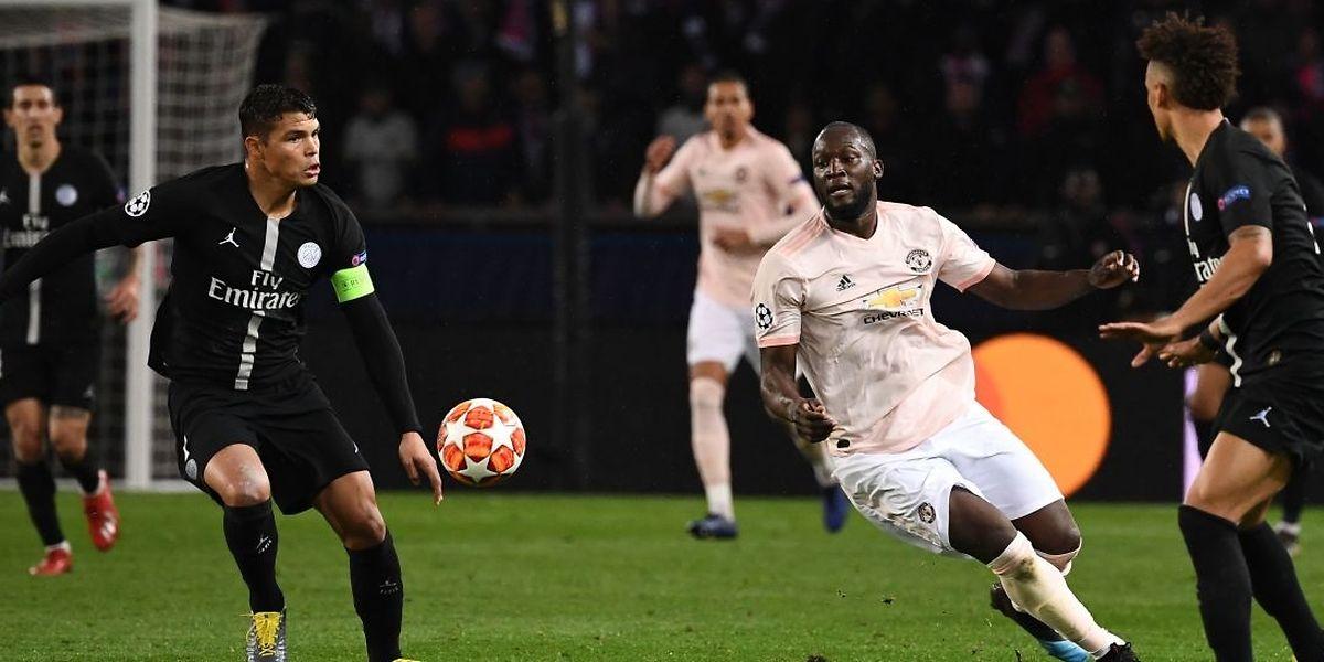 Romelu Lukaku a parfaitement exploité deux erreurs parisiennes de Kehrer et Buffon pour placer MU sur la voie du succès.