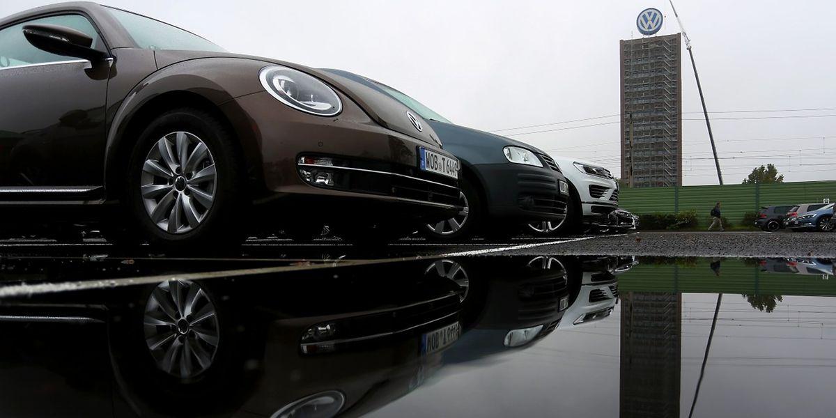 Zittern in der Management-Etage von Volkswagen: Heute waren Ermittler der Staatsanwaltschaft zu Besuch.