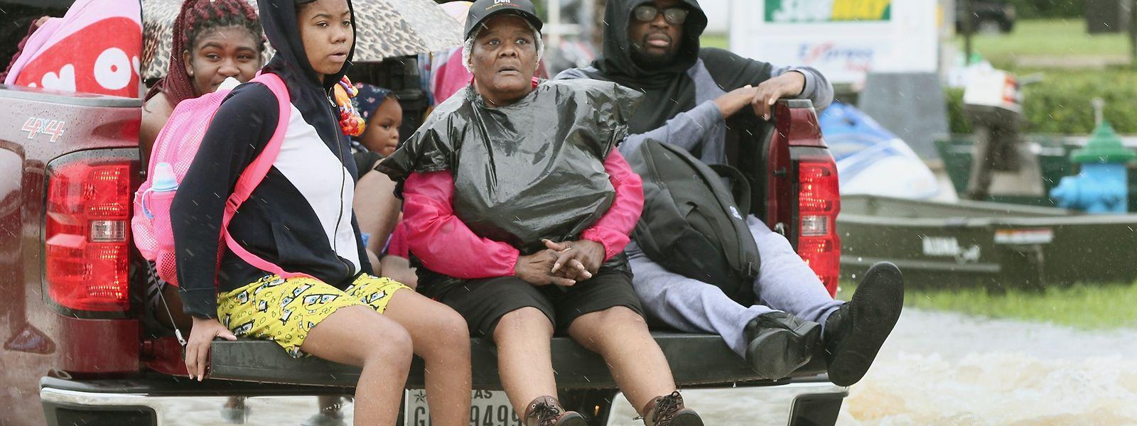 Die Bezirksregierung von Brazoria County im Süden von Houston hat die sofortige Evakuierung angeordnet.