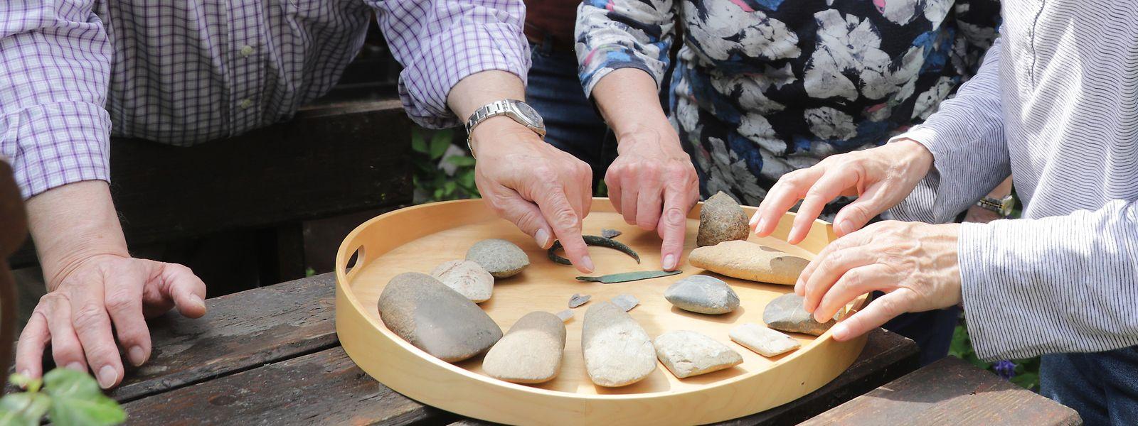 Wer weiß wonach er sucht, der findet mit etwas Glück ebenfalls Überbleibsel aus der Steinzeit. Hier die schönsten Funde von Fernand Spier.