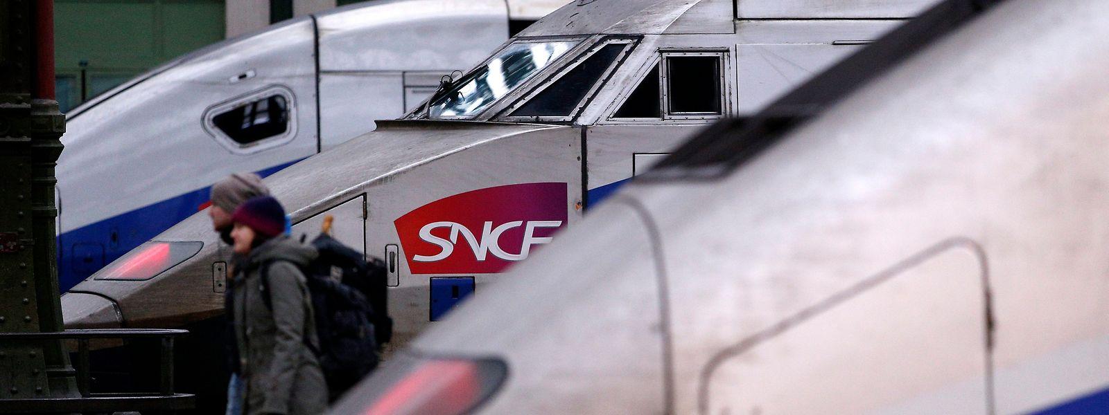 Mit der Reform soll die verschuldete SNCF saniert werden.