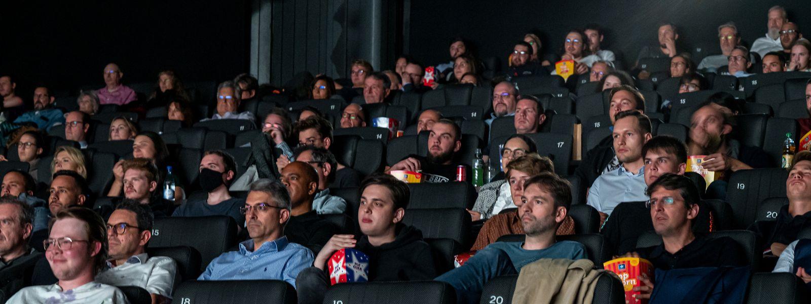 Rund 150 Zuschauer hatten das Glück, bei der Premiere des 25. und lang ersehnten neuen James-Bond-Films mit dabei sein zu dürfen.