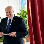 Bielorrússia. Lukashenko acusa governos estrangeiros de interferência