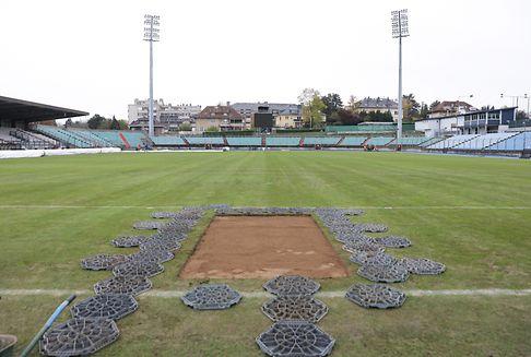 Neuer Rasen für das Stade Josy Barthel