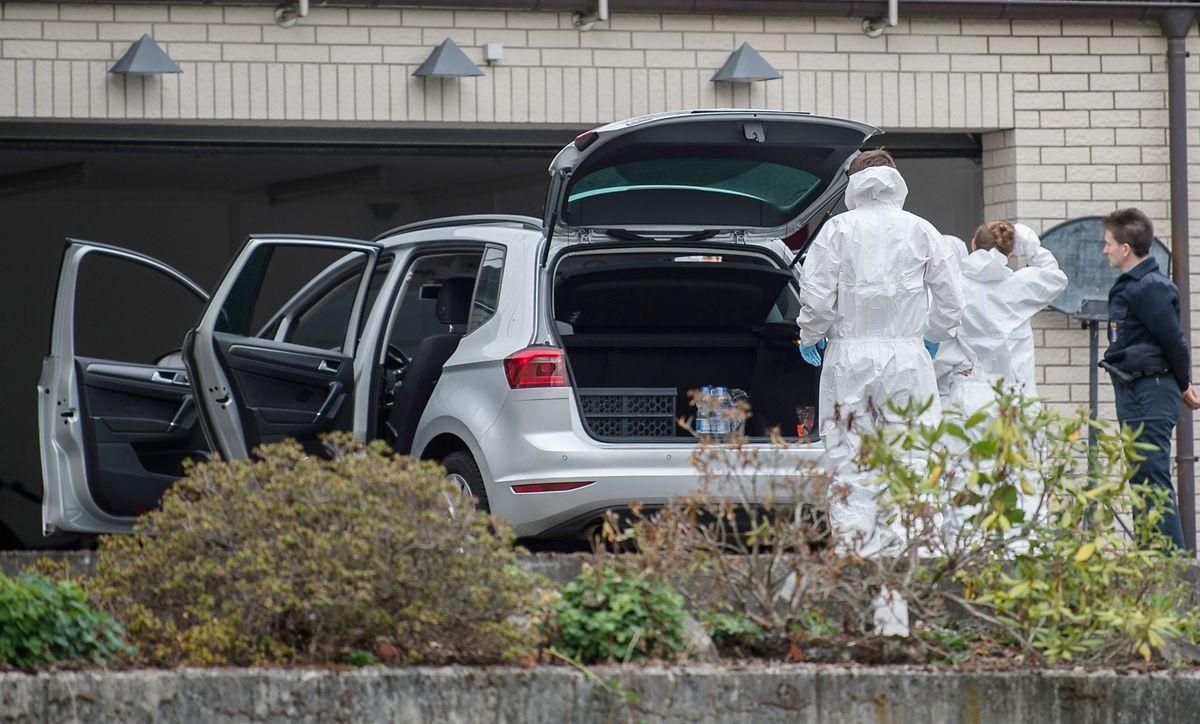 Das Auto, aus dem die Eltern der beiden ermordeten Kinder gerettet wurden.
