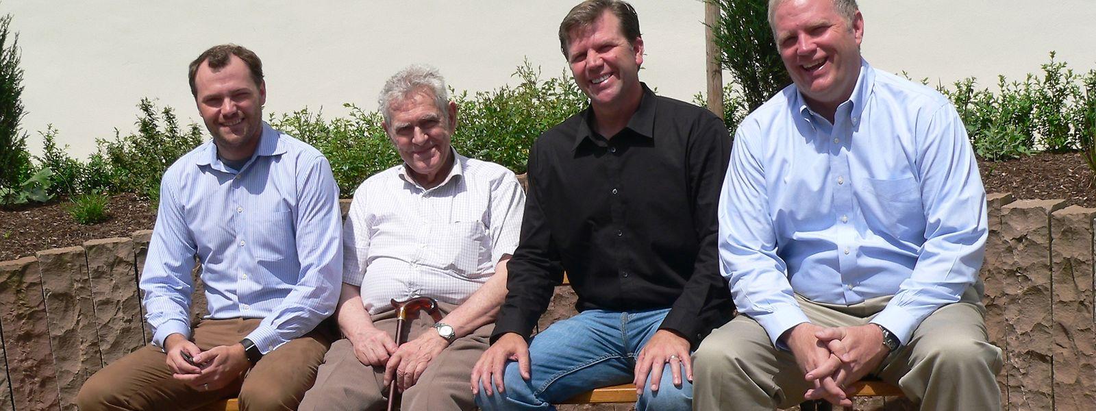 """Jim Wiltgen (r.) mit seinen Brüdern Dan und Leo und ihrem """"neuen"""" luxemburgischen Verwandten Alphonse."""