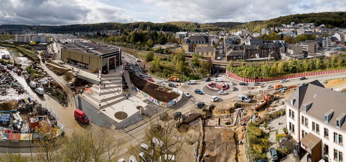 In den kommenden Tagen wird der Kreisverkehr am Stadteingang verschwinden und durch eine Ampelanlage ersetzt.