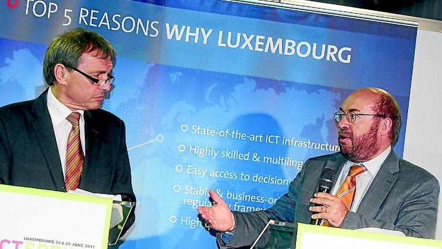 Jeannot Krecké (l.) und François Biltgen unterstützen die ICT-Branche. Ab dem nächsten Schuljahr wird die Sekundarschule in Esch/Alzette ein Informatik-BTS in Telekommunikation anbieten.