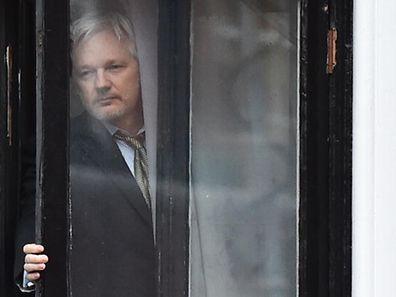 Der Oppositionsführer Guillermo Lasso fordert Julian Assanges Asyl in Ecuadors Botschaft in London zu beenden.