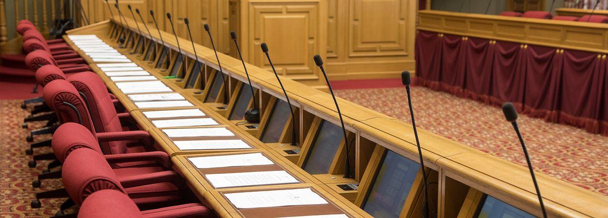 3.6.IPO / Chamber / Debats  / Foto:Guy Jallay
