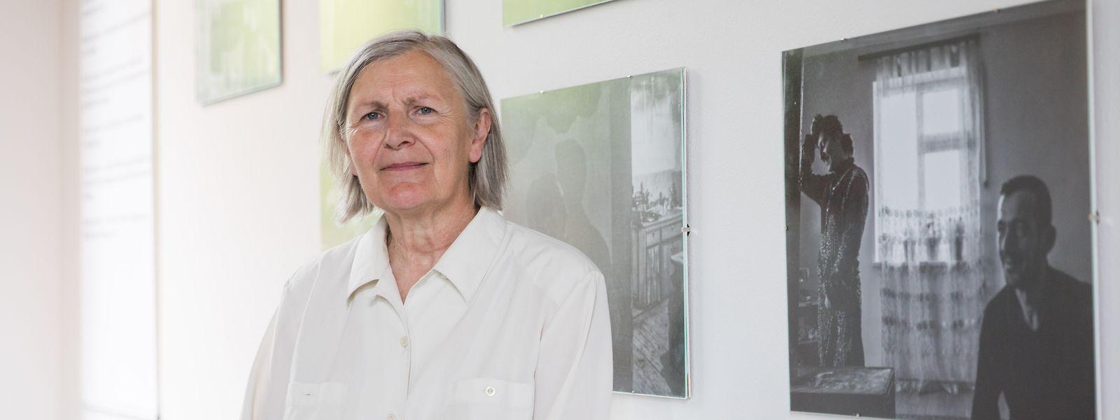Antoinette Reuter deutet Migrationsbewegungen als ein Phänomen, das es seit Menschengedenken gibt, heute aber mehr denn je im Fokus steht.