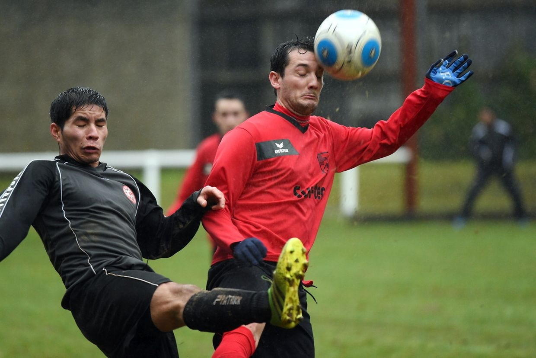 Carlos Suarez au duel avec Victor Monteiro