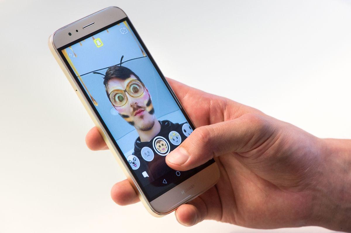 Bienchen gefällig? Mit der Lenses-Funktion können Snapchatter ihre Gesichter verfremden.