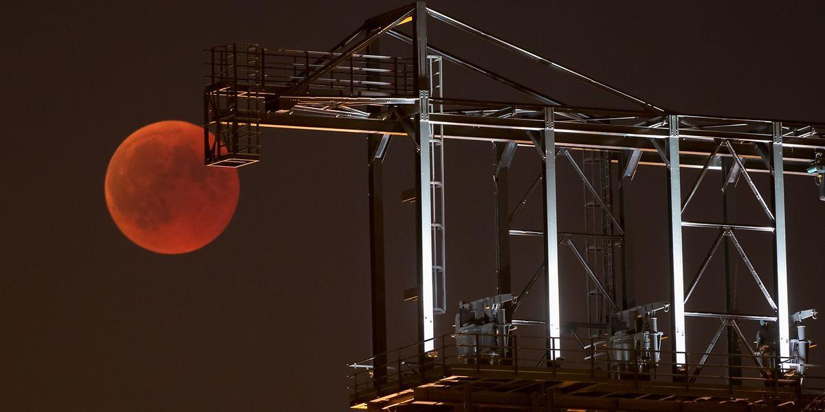 c89d8d85805c0 Eclipse total da Lua visto do Luxemburgo