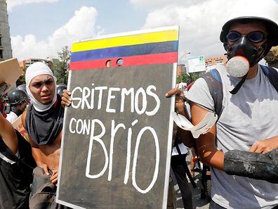 Oposição acusou os agentes de segurança do Estado de violência