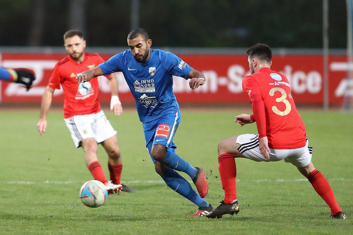 Adriel Santos (l.) und Etzella holen einen wichtigen Sieg gegen RM Hamm Benfica (Clément Huet).