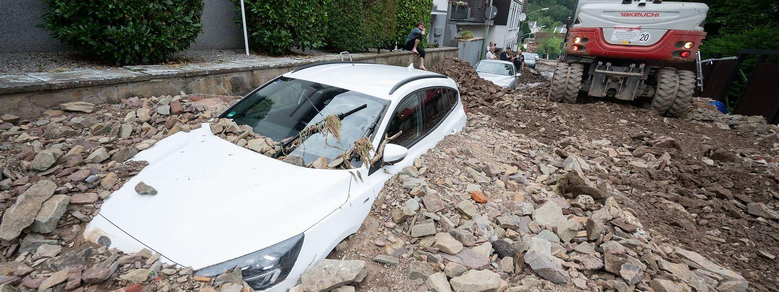 Sous les décombres, la Rhénanie-du-Nord craint de retrouver de nouvelles victimes dans les prochaines heures.
