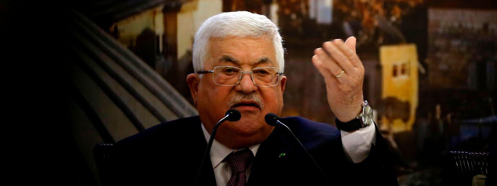 Le président de l'Autorité palestinienne, Mahmoud Abbas, rejette avec virulence le plan de Donald Trump pour le Proche-Orient. Mais il semble bien seul.