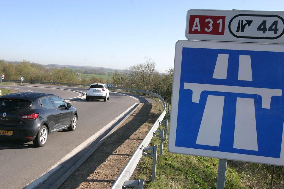Sur les 14 km séparant Thionville et la frontière luxembourgeoise, l'A31 passerait à 2x3 voies.