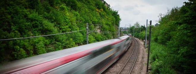 Ausgehen und anschließend mit dem Zug heimfahren - das soll ab 11. Dezember besser möglich sein.
