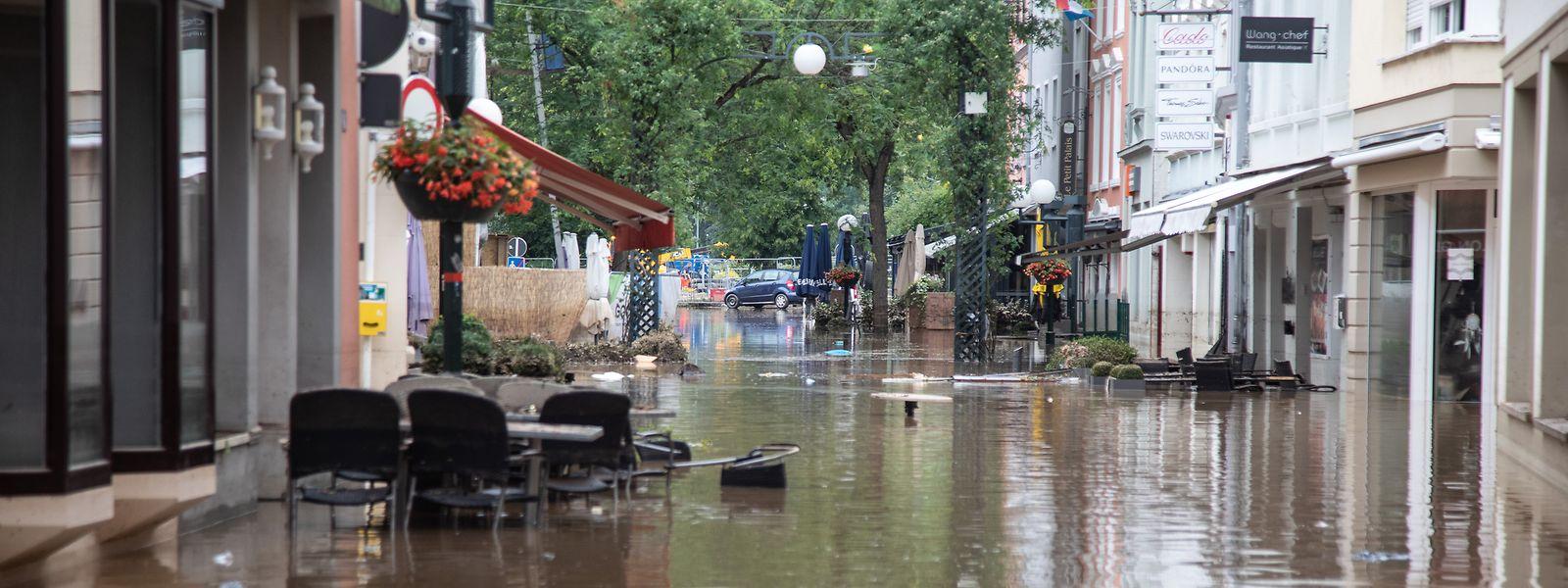 Echternach's main shopping street under water