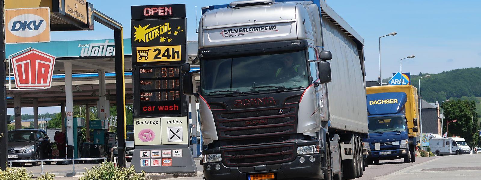 Le plein des chauffeurs routiers en transit, un enjeu économique pour le Groupement pétrolier.