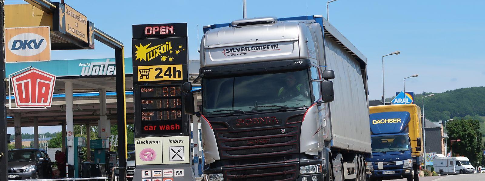 Ein Lastwagen an einer Tankstelle in Wasserbillig: Bald ein Bild der Vergangenheit?